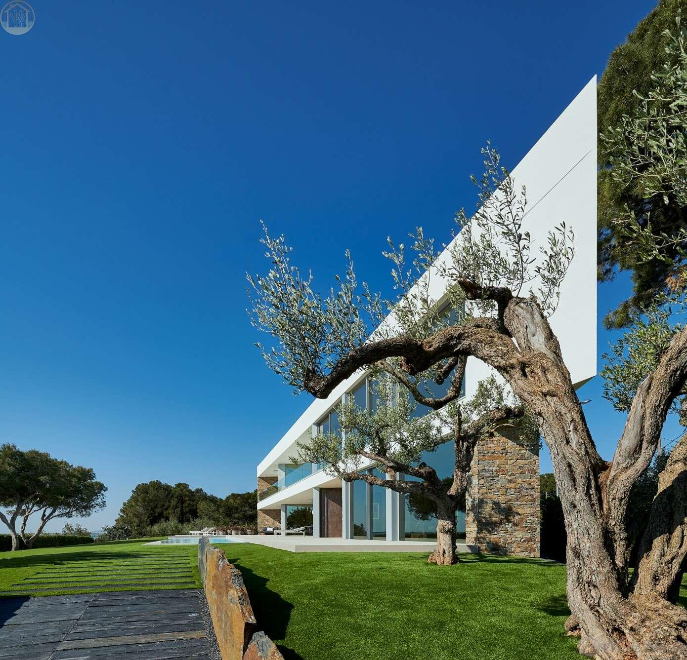 Villa C&M by White Houses