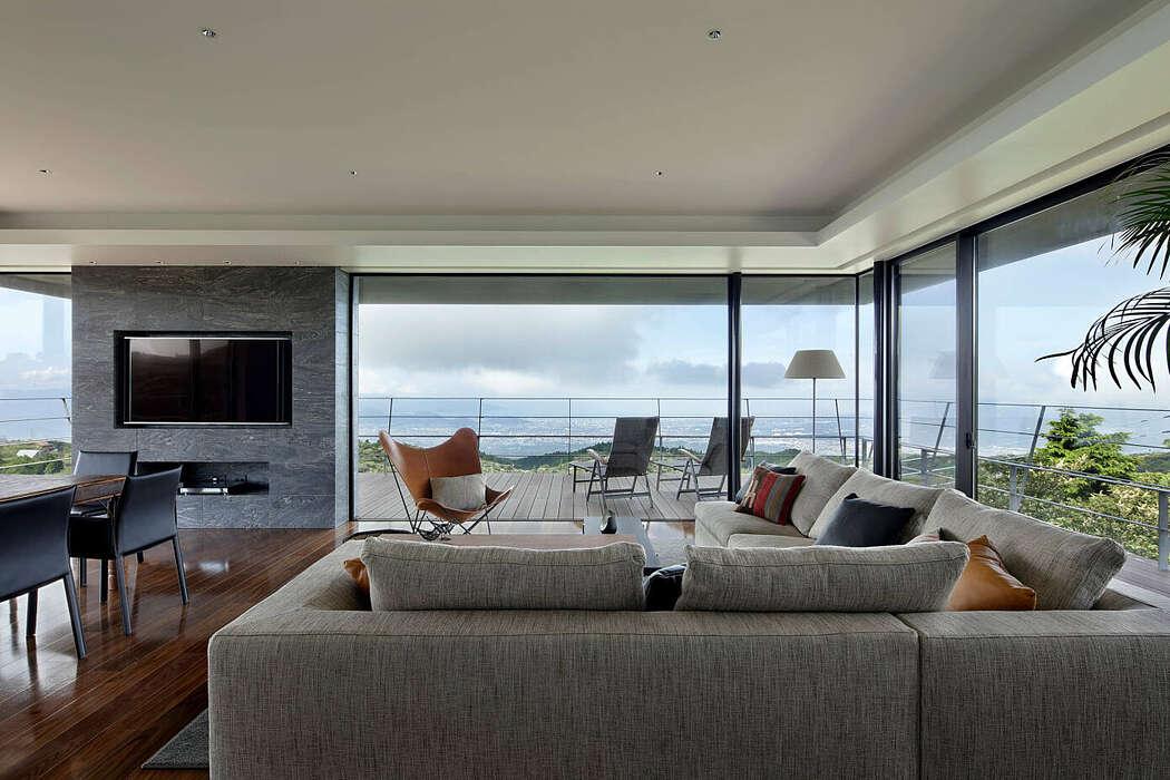 Lake Ashi Home by Starchitects