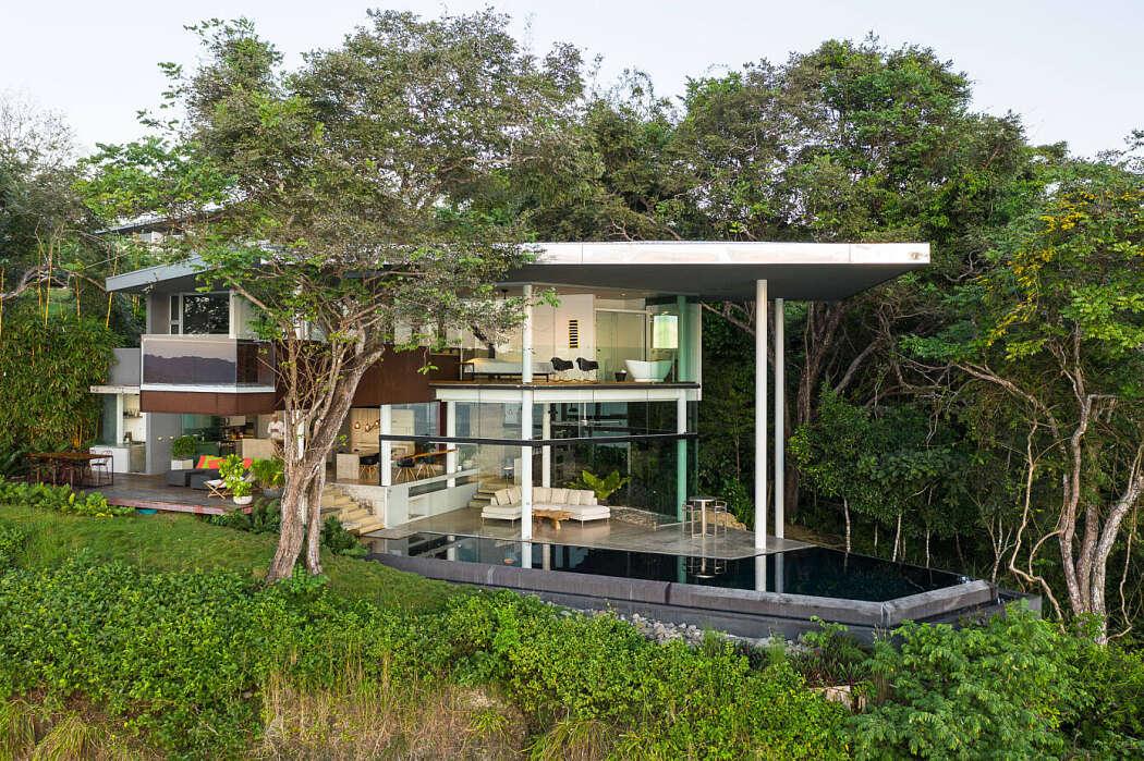 House Cocobolo by Cañas Arquitectos