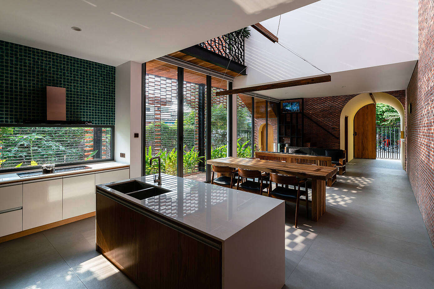 OldMeetsNew House by Block Architects