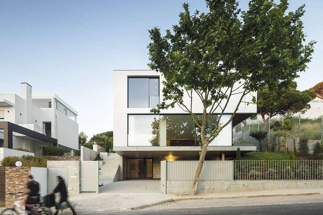 Alto da Castelhana House by ColectivArquitectura