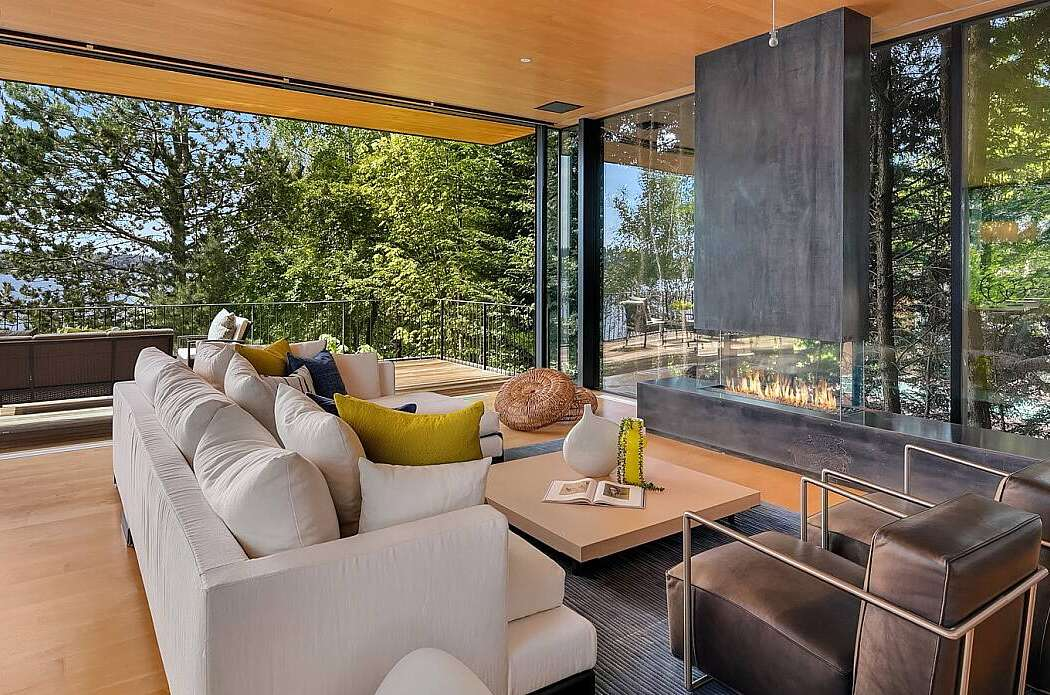 Mercer Island by Seattle Staged to Sell and Design