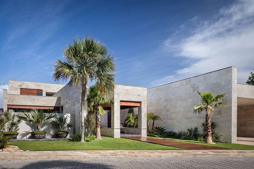 Casa AAK by Bernardo Pozas Residential Design