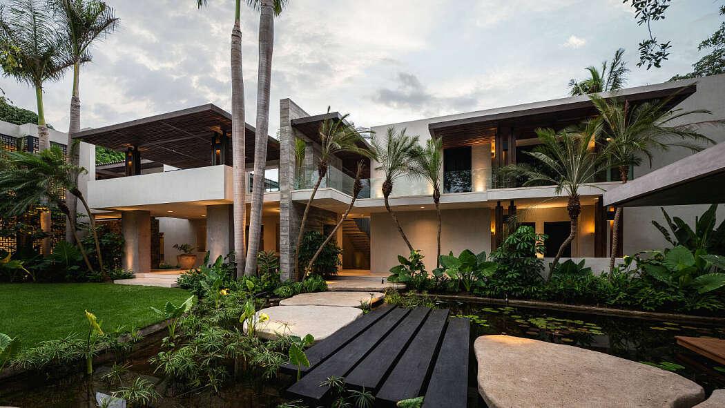 Casa R5 by Joaquin Homs
