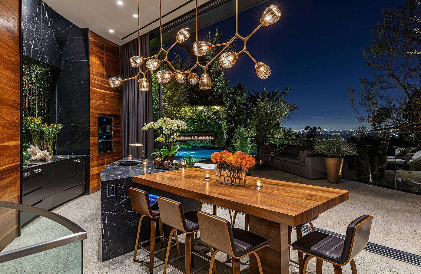 Home in Hollywood Hills by iElement