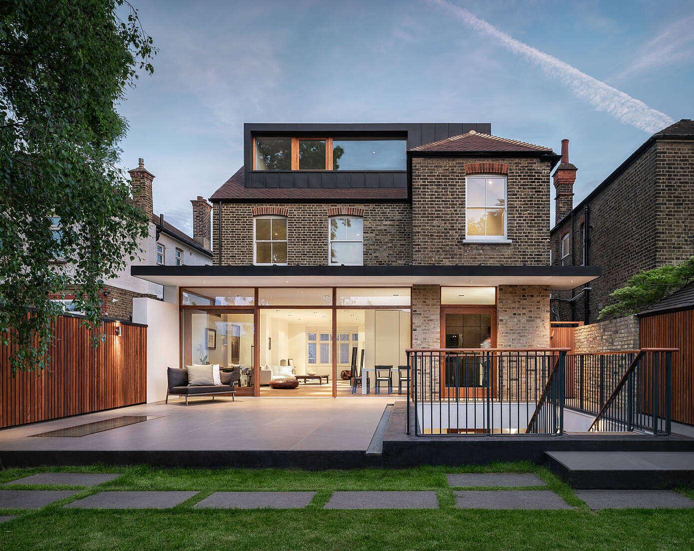 Downton Avenue House by Rado Iliev