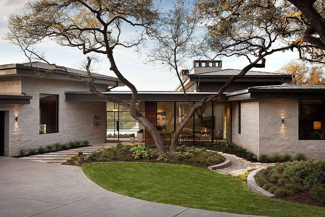 Westview Cliffside by McCollum Studio Architects