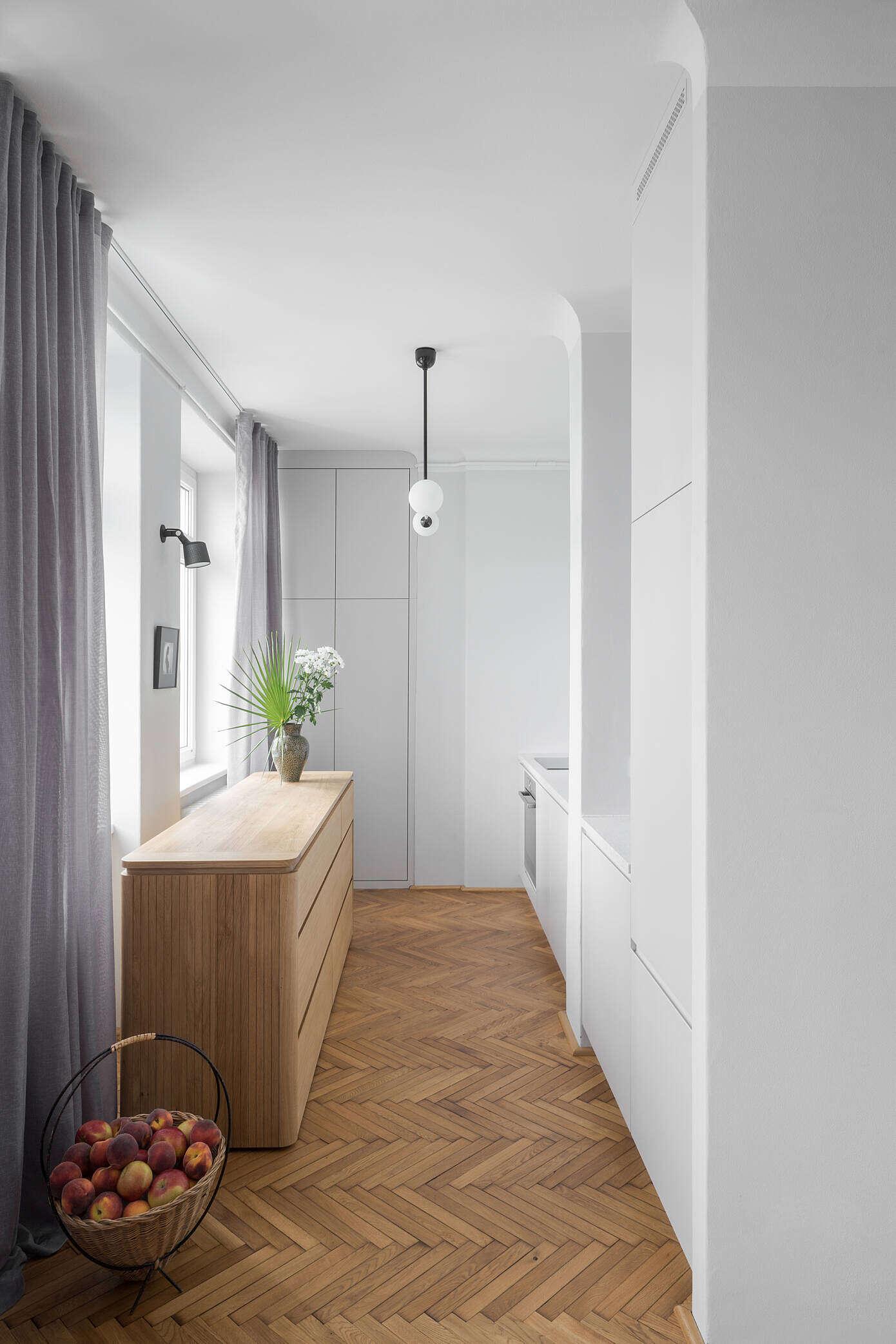Apartment in Warsaw by Loft Kolasiński
