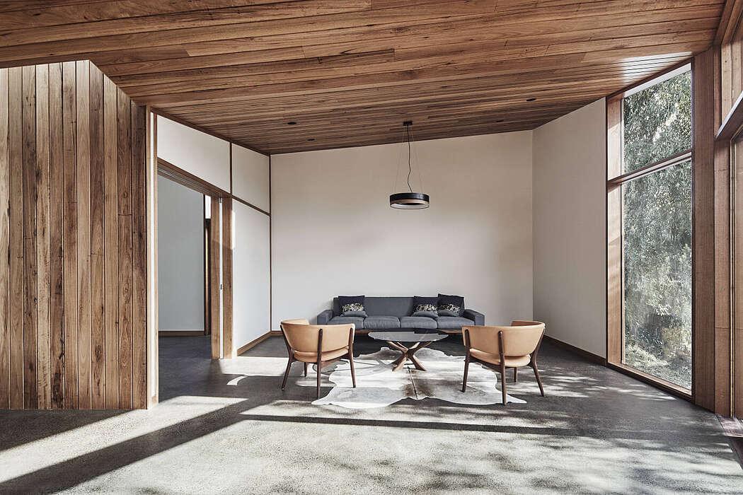 Barton House by Julie Firkin Architects