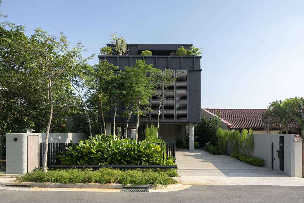 House Above 44 Kasai Road by ipli Architects