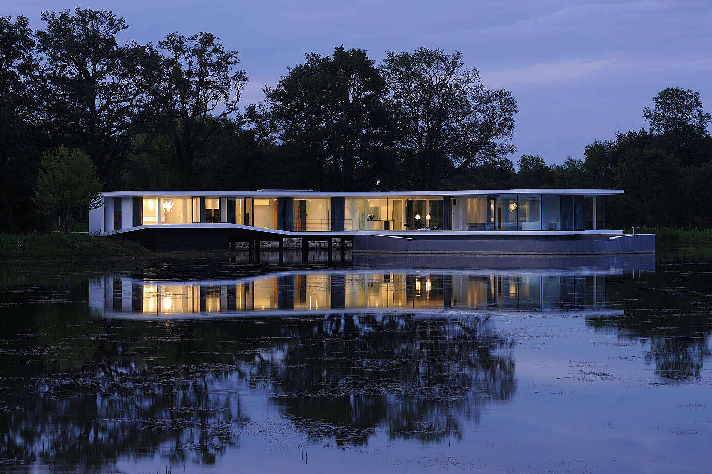 White Snake House by Aum Pierre Minassian