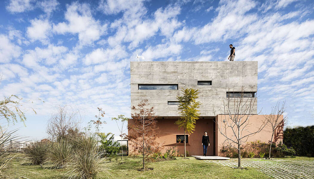 SL House by Speziale Linares Arquitectos