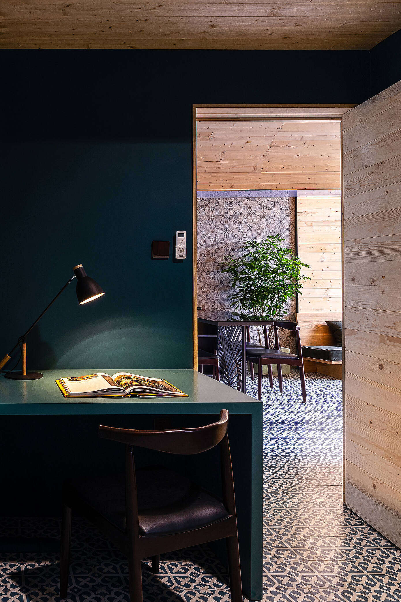 The Gaps Apartment by Block Architects