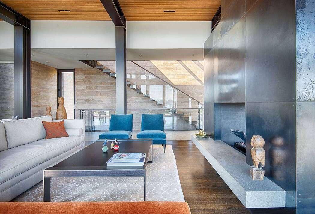 Hillside Residence by Stuart Silk Architects