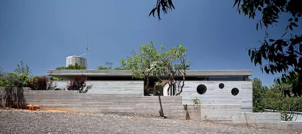 A House of an Architect by Pitsou Kedem Architects