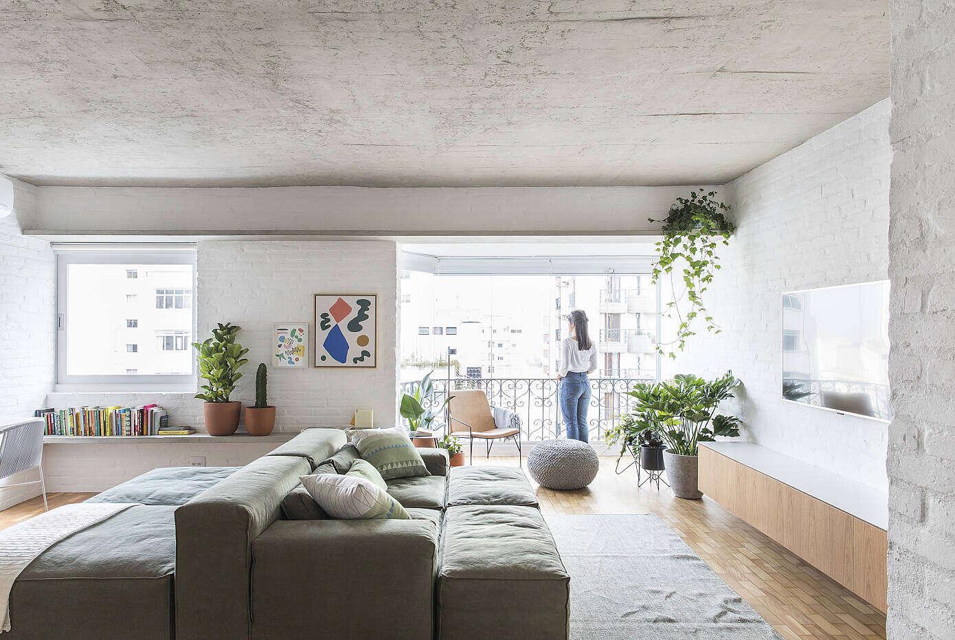 VCH Apartment by David Ito Arquitetura