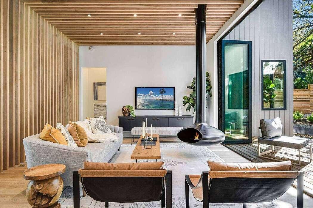 Deep Eddy Residence by Austin Modern Properties