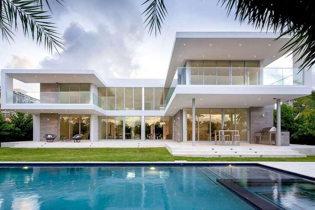 301 Golden Beach Residence by SDH Studio