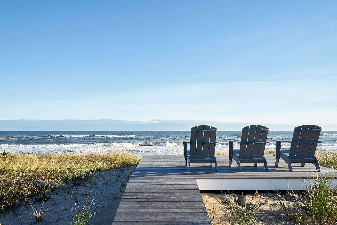 Amagansett Dunes House by Frampton Co