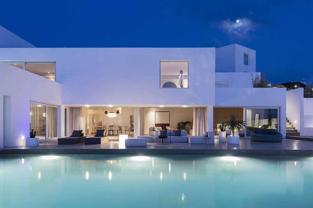 Summer Villa by Kapsimalis Architects