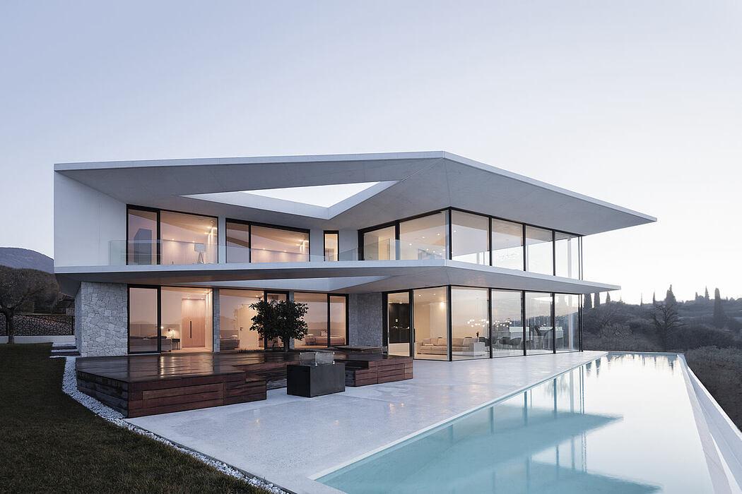 Villa Belvedere by Rudolf Perathoner