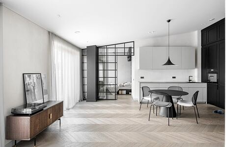 Downtown Apartment by Redeco Lt