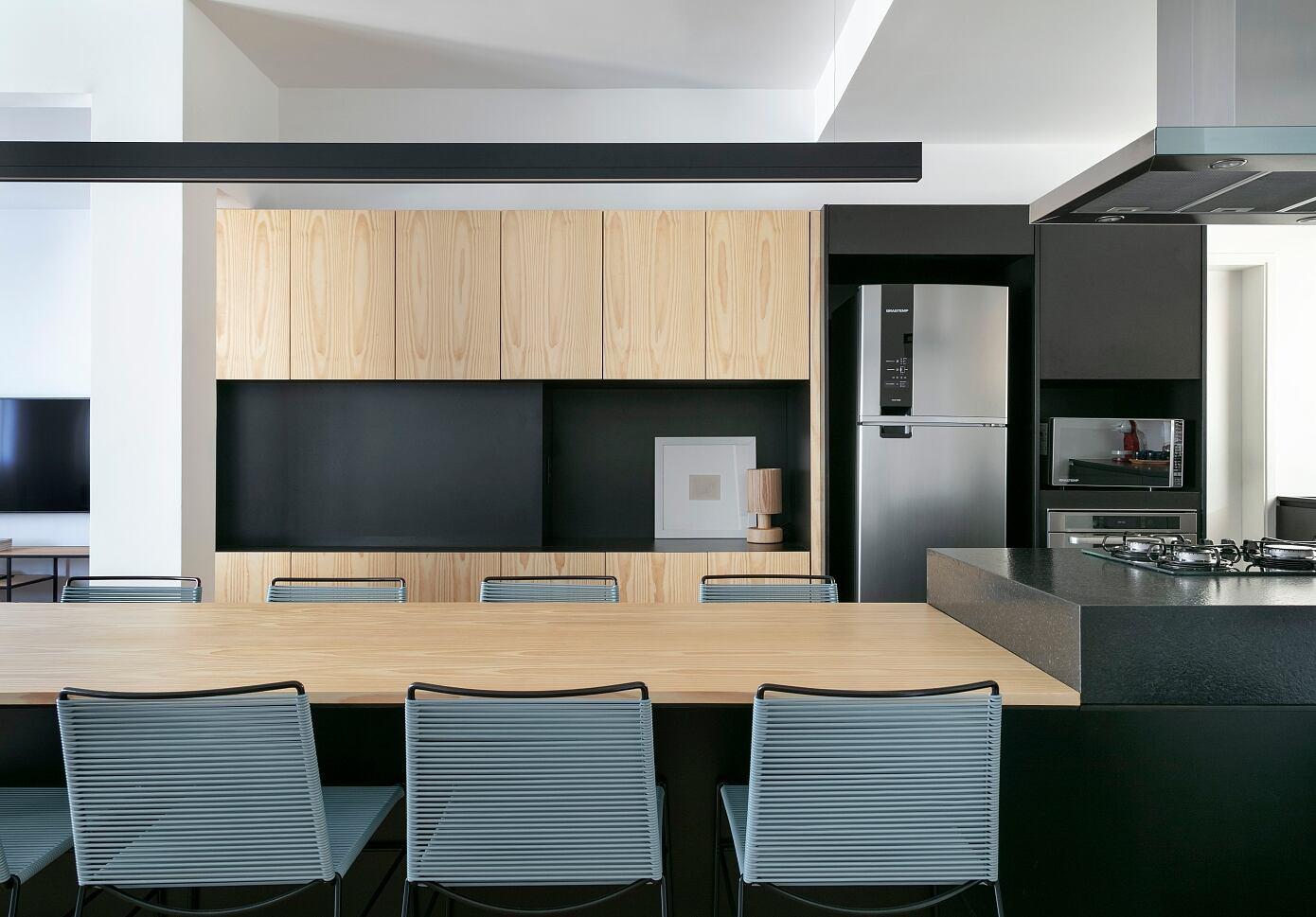 LDY Apartment by David Ito Arquitetura
