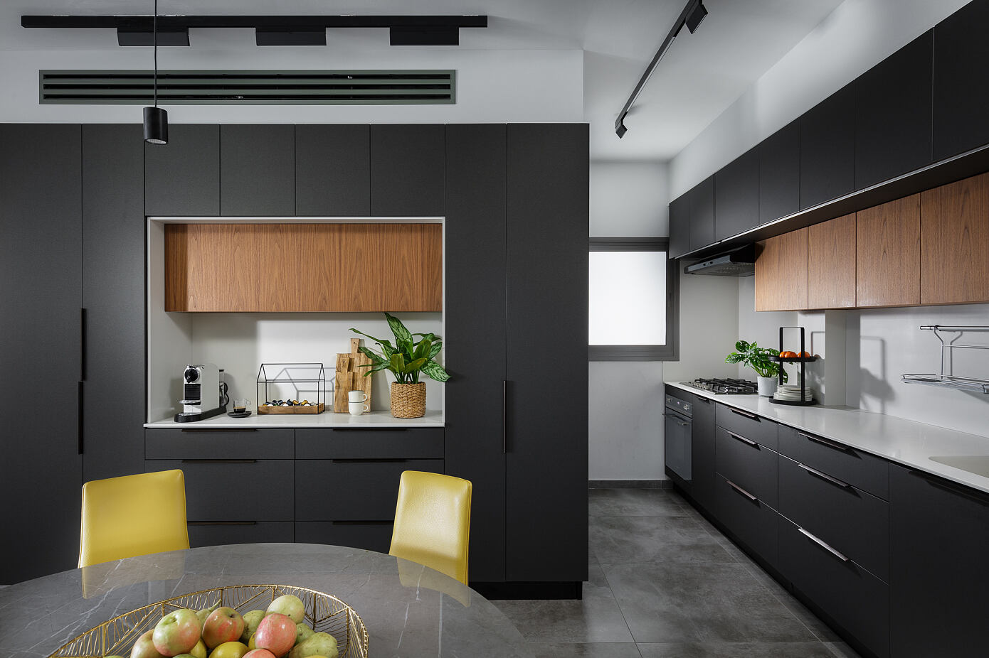 Apartment in Ganey Tikva by Amit Kedar