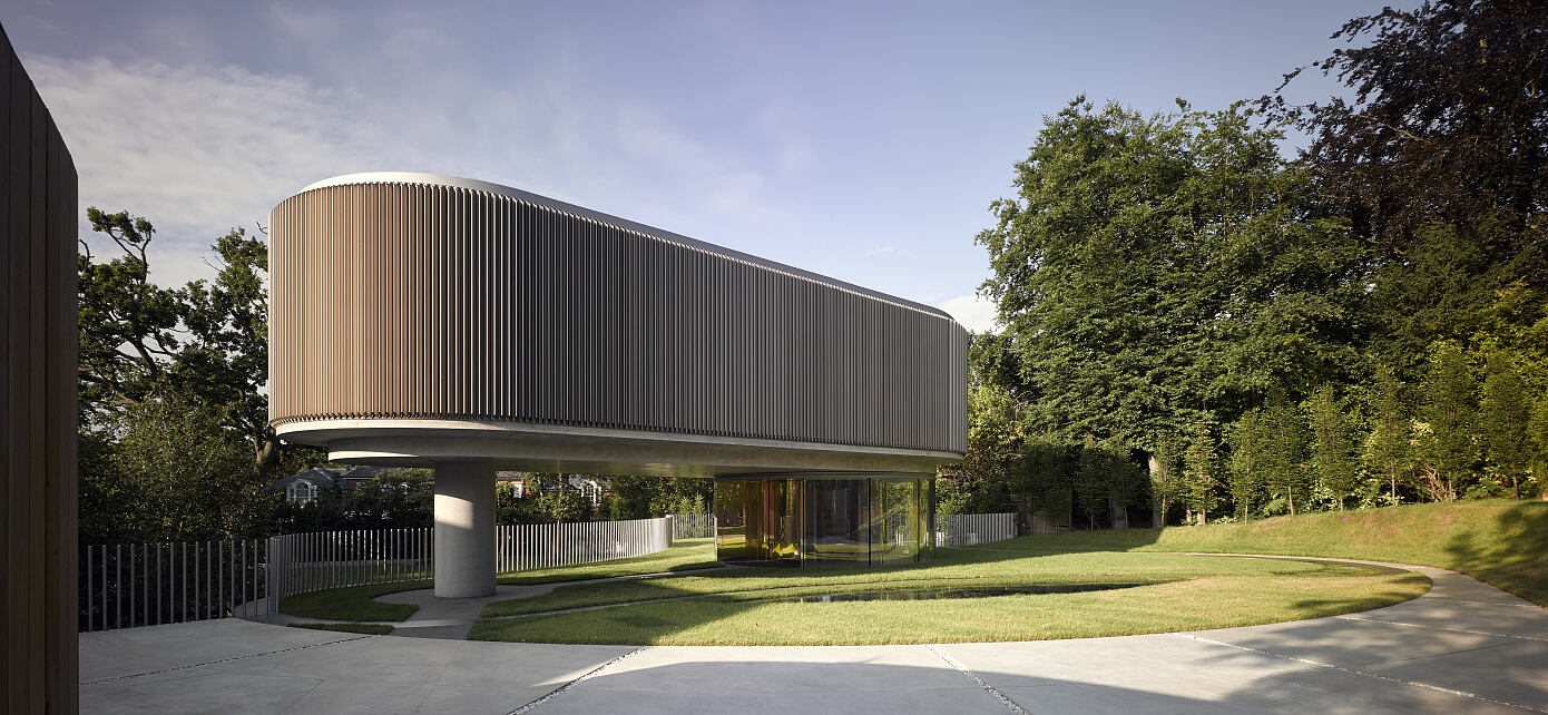 House in Coombe Park by Eldridge London