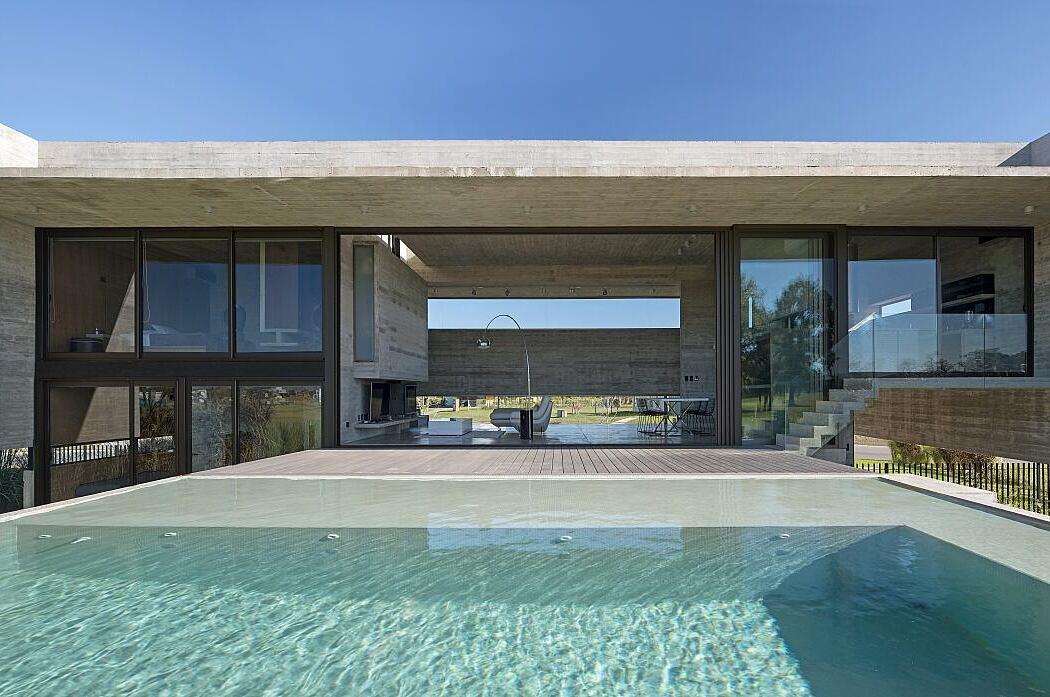 Casa Escobar by Luciano Kruk Arquitectos