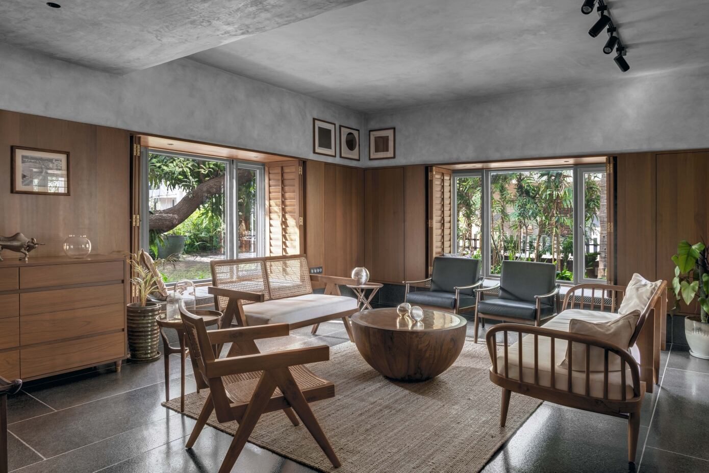 T House by Studio Course