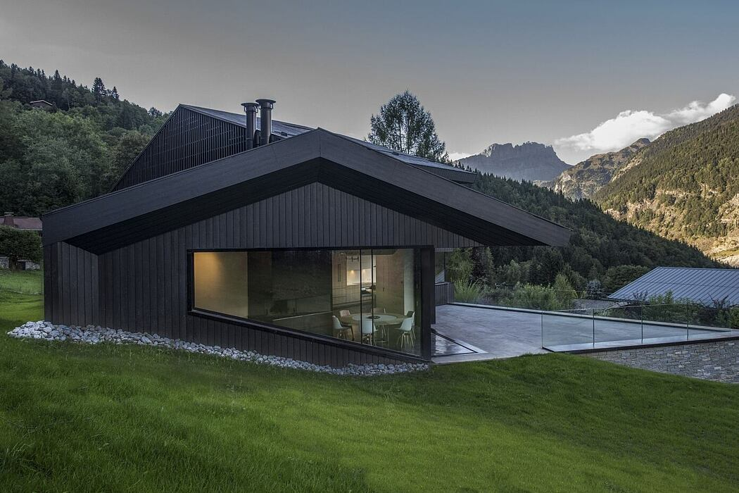 Cabin in Chamonix by Pierre Marchand Architectes