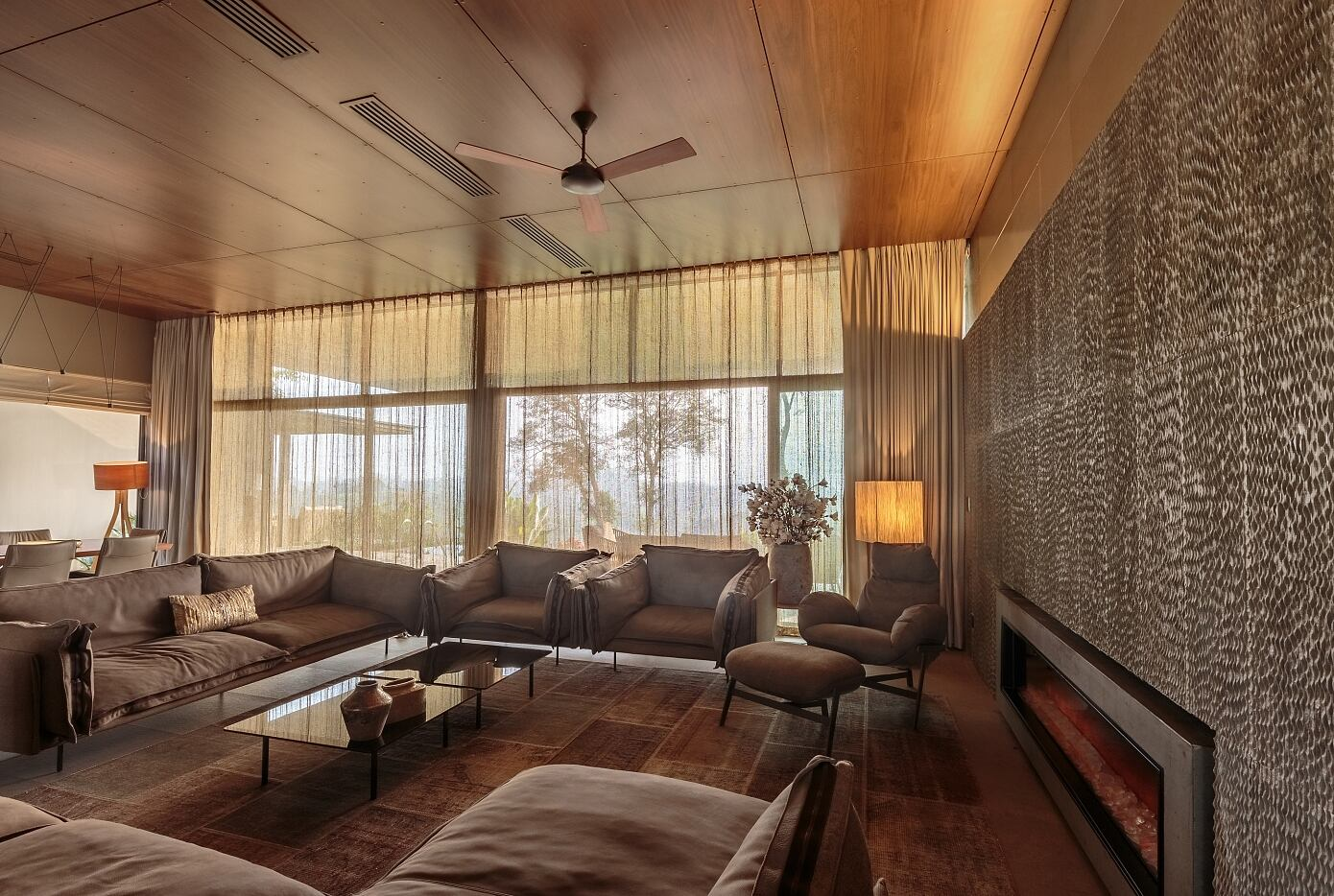Home on the Hill by Arun Nalapat Architects