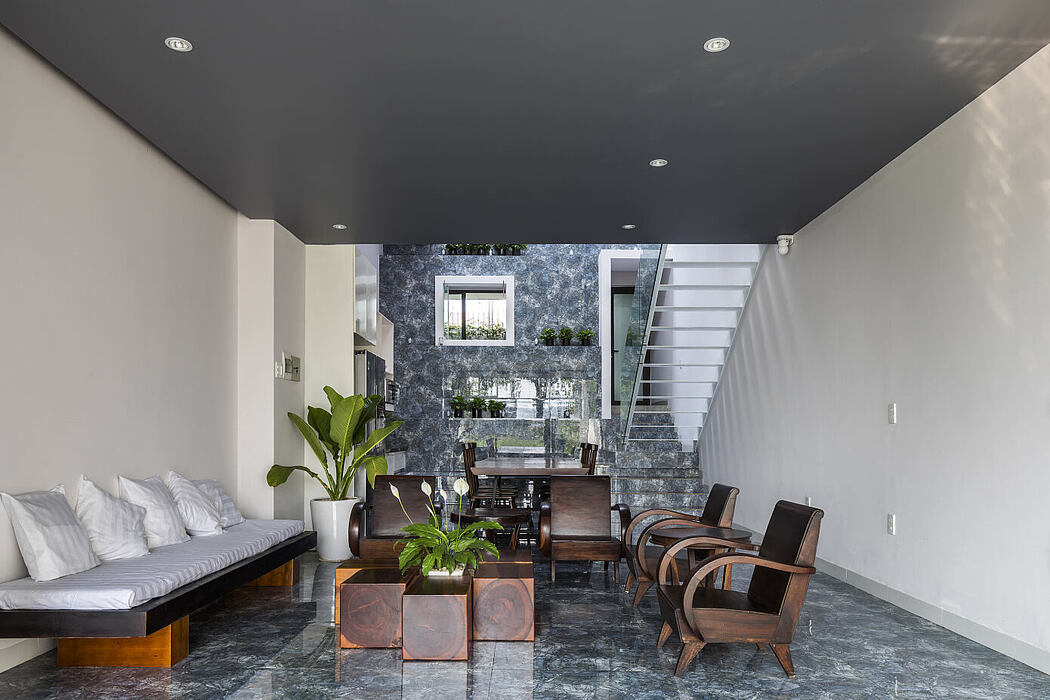 Townhouse in Hue by MW Archstudio