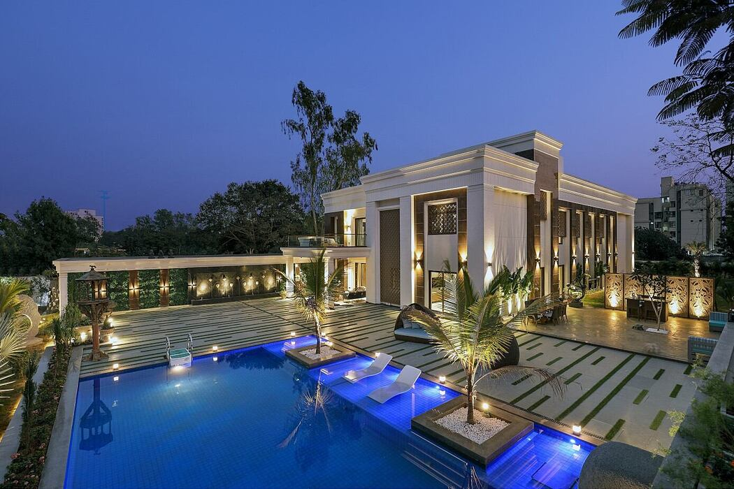 Samprat Bungalow by Design Studio Associates