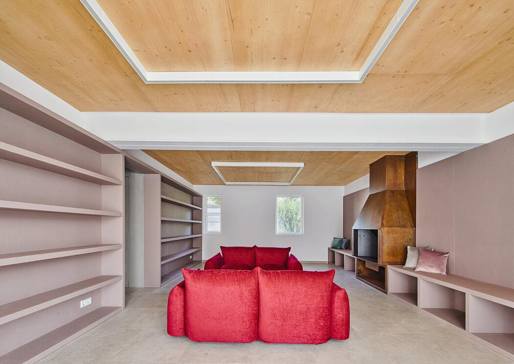 Gallery House by Raúl Sánchez Architects