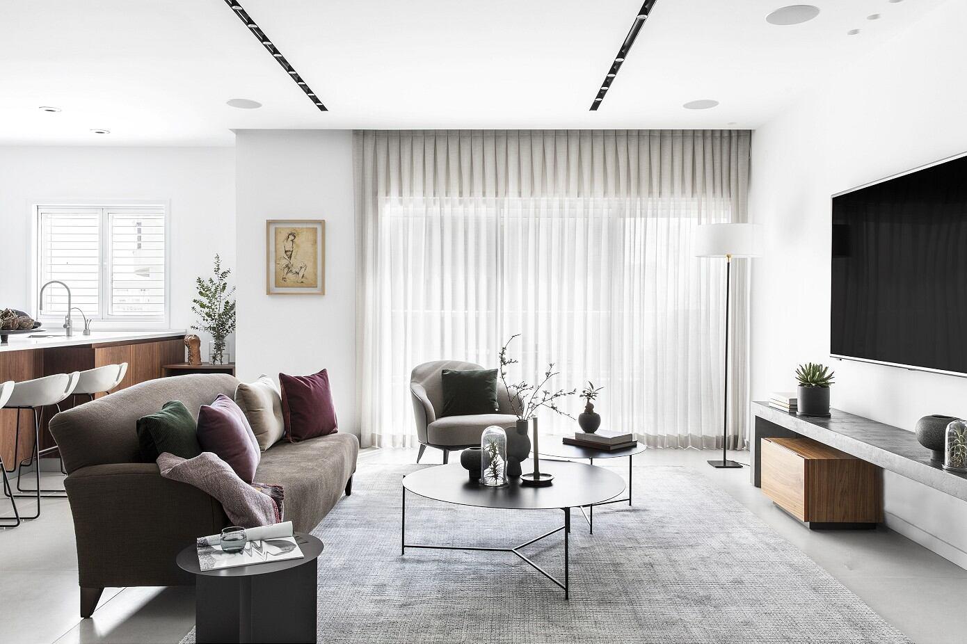 H Apartment by Maya Sheinberger Interior Design
