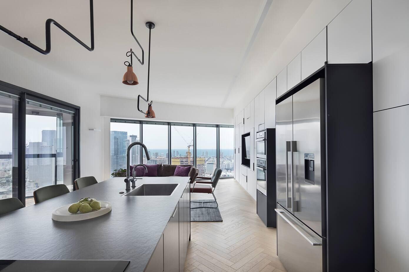 Skyline Loft TLV by Henkin Shavit Design Studio