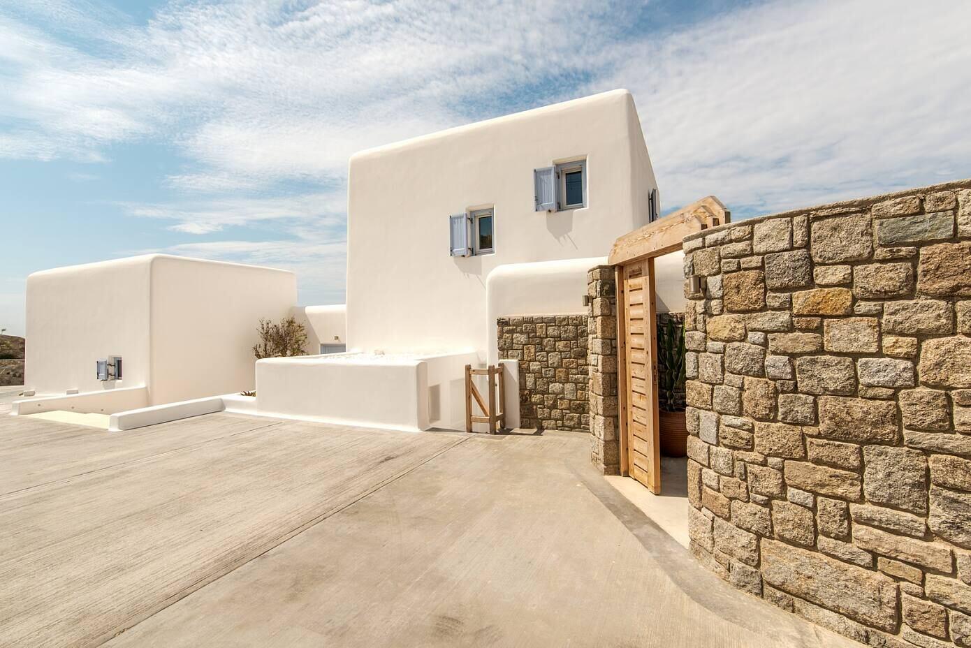 Infinite Blue Villa by Mykonos Architects