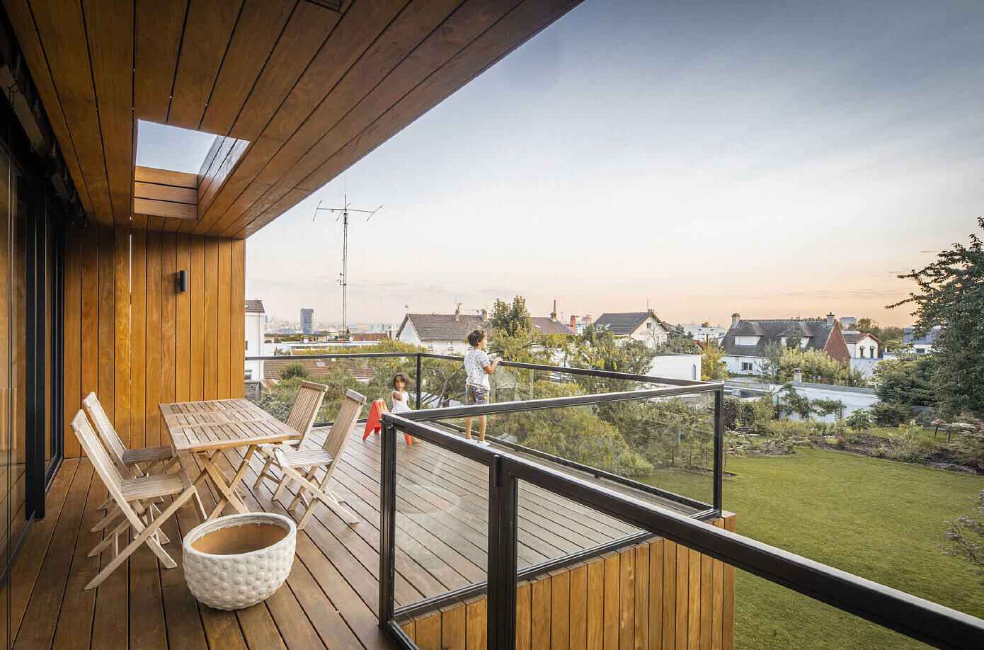 ISSY Extension by SKP Architecture