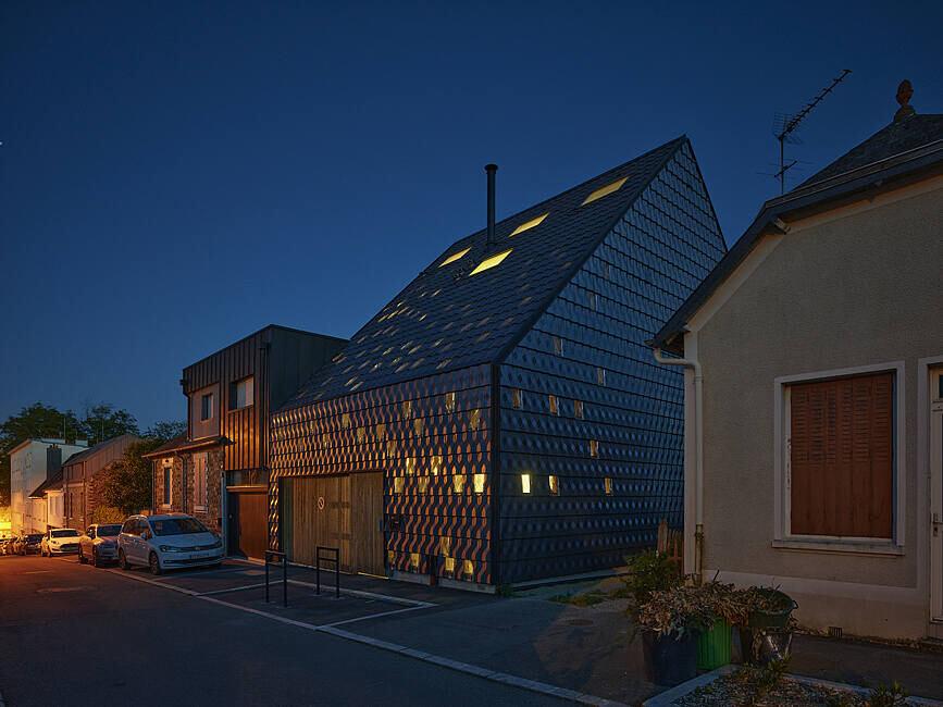 Diamond House by MNM Architectes