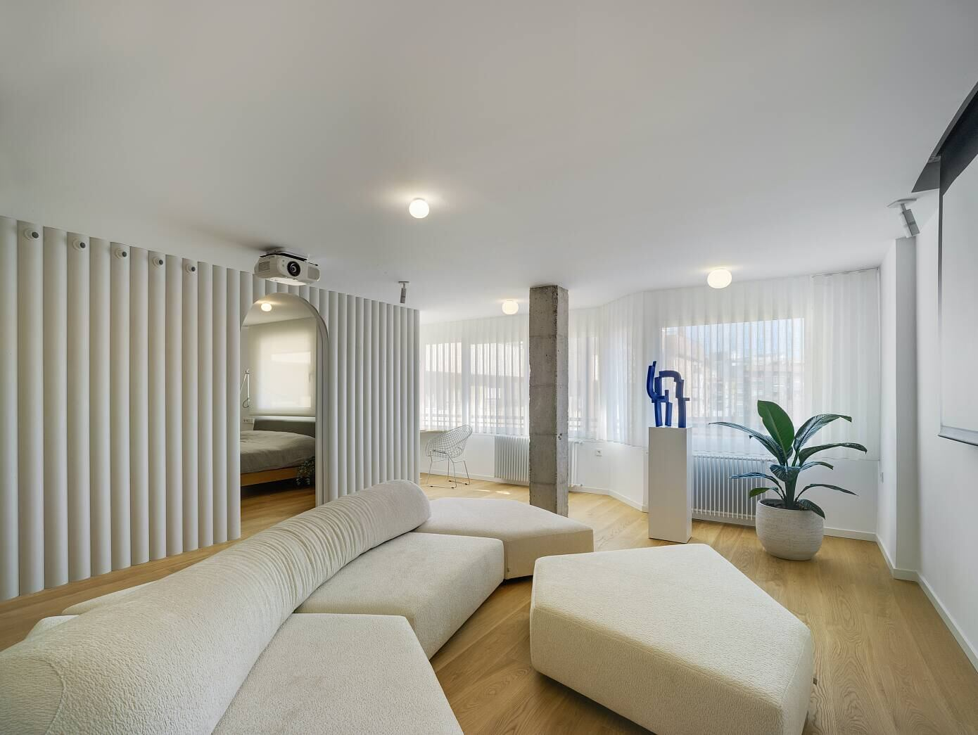 Lab House by Laura Ortín Arquitectura