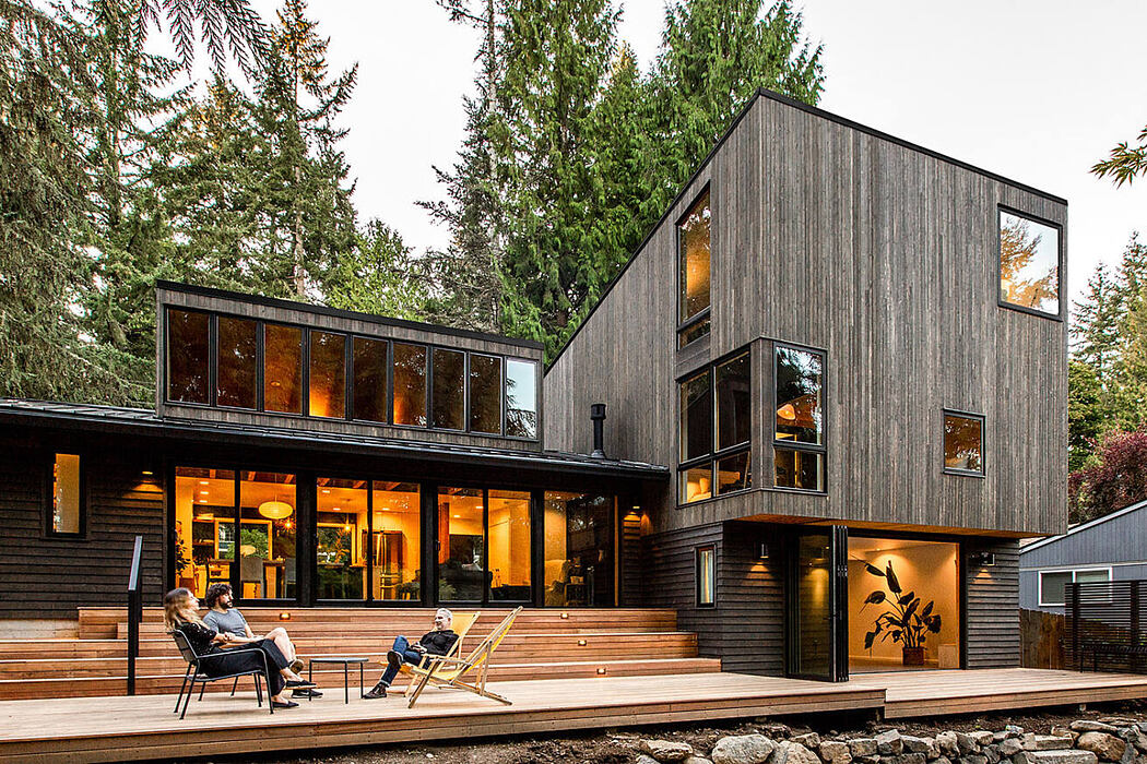 House with a Yoga Studio by Robert Hutchison Architecture