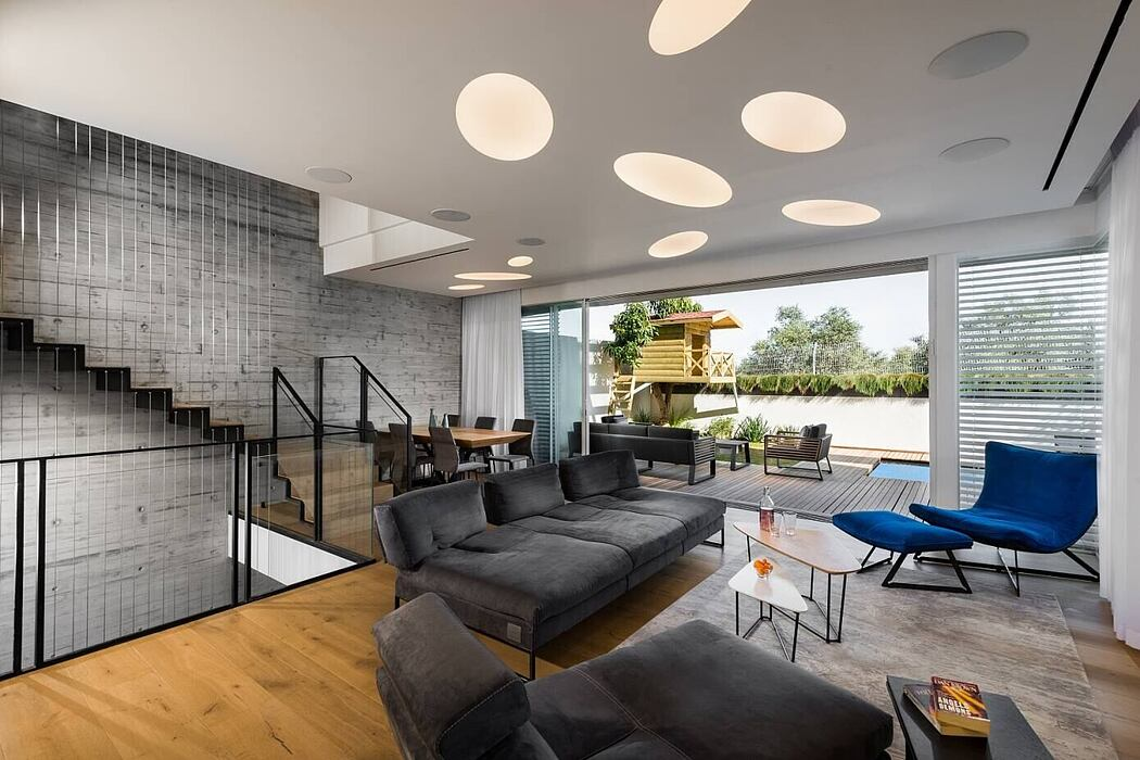 Urban Chic Home by Shpigel Architects