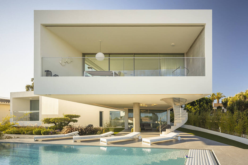 Dorfler House by Vitor Vilhena Architects