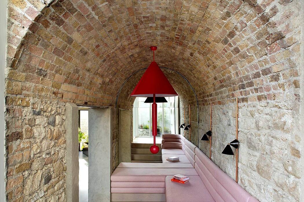 Bolton Coach House by Kingston Lafferty Design