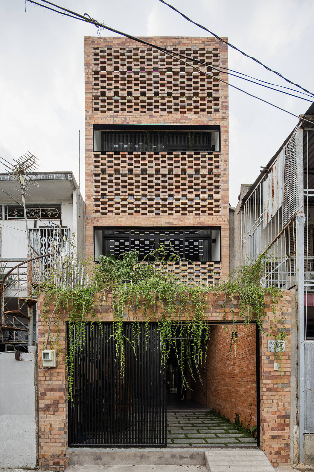 P House by T H I A Architecture