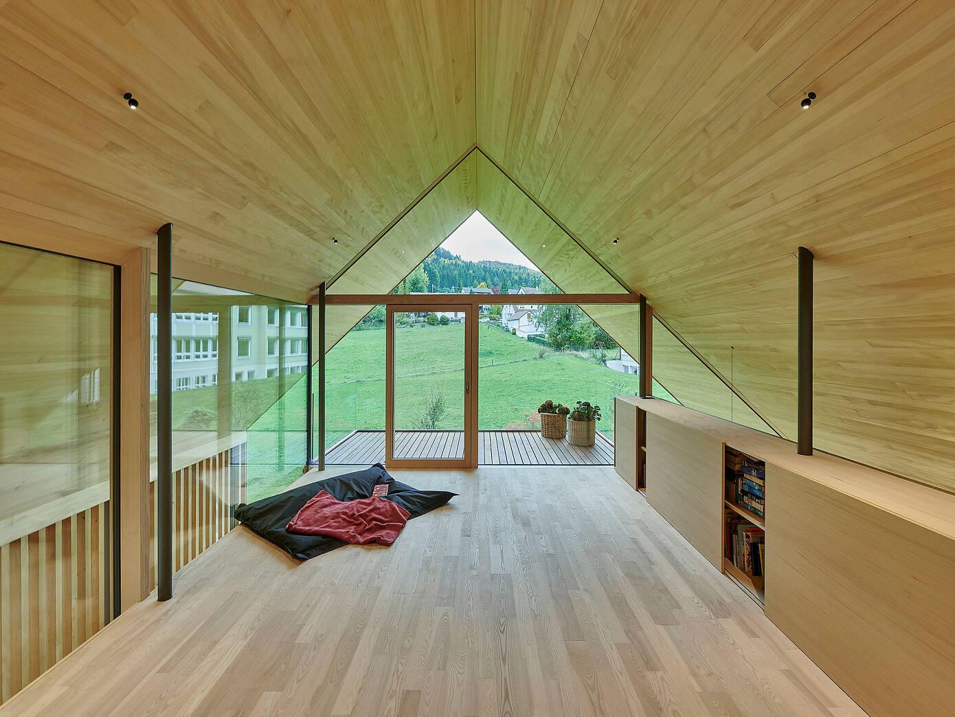 House R by Dietrich I Untertrifaller Architekten
