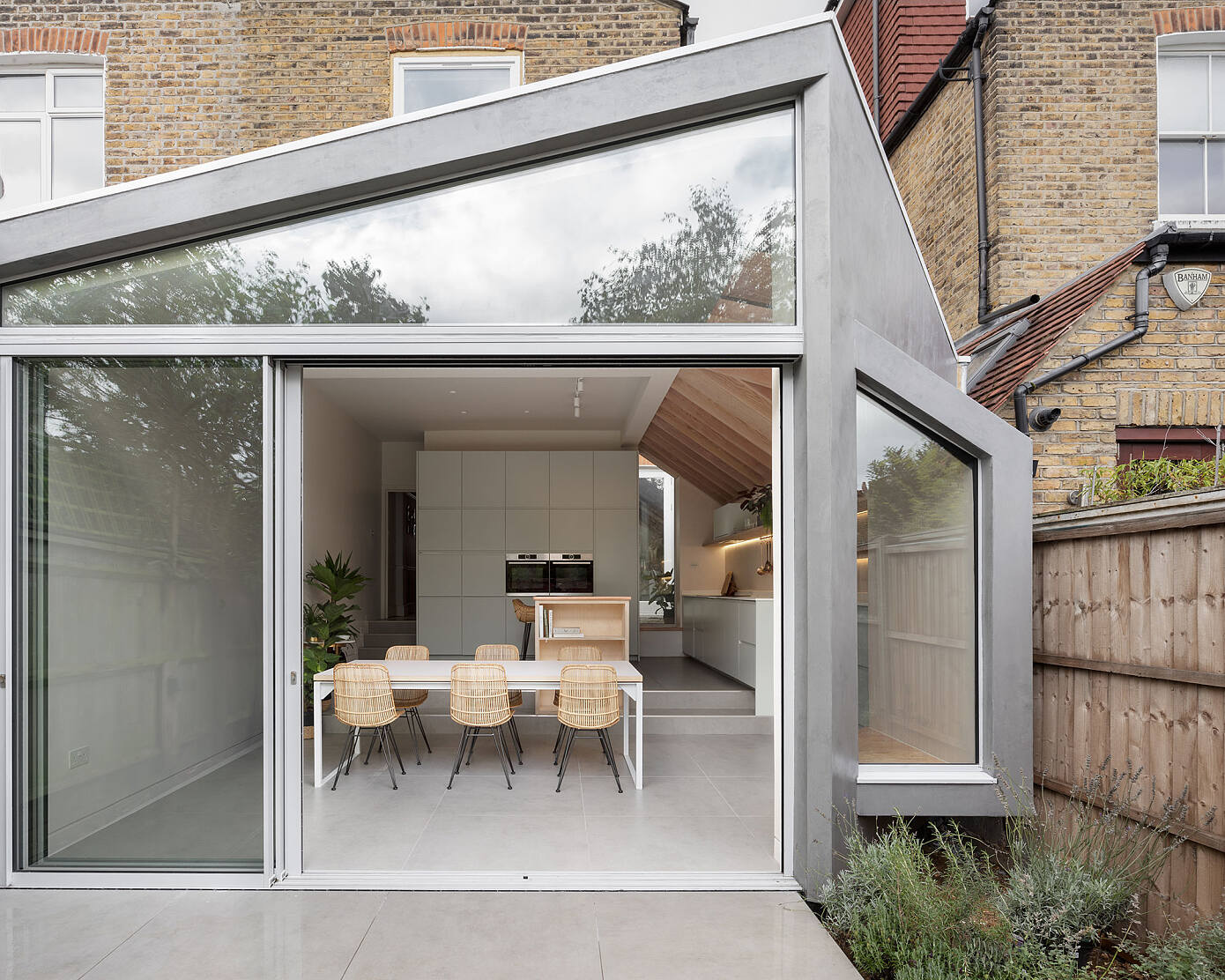 Quarter Glass House by Proctor & Shaw