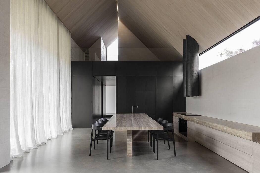 Barwon Heads House by Adam Kane Architects